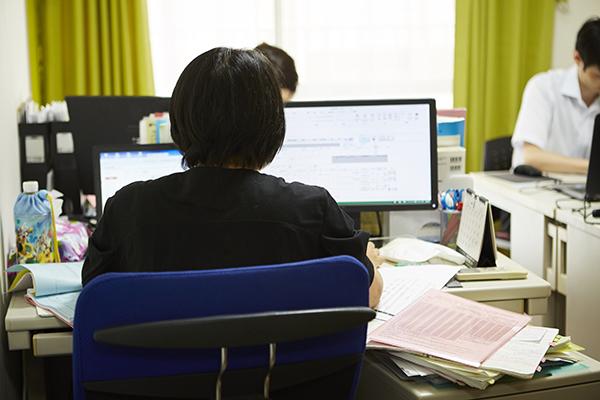 事務所の風景_オフィス2